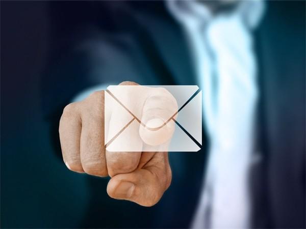 如何给YouTube红人写一封无法拒绝的邮件呢